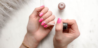 Every-Woman-Should-Own-&-Use-Gel-Nail-Polish-on-DependableBlog