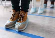 Some-Great-Benefits-of-Wearing-Shoe-Covers-for-You-on-dependableblog